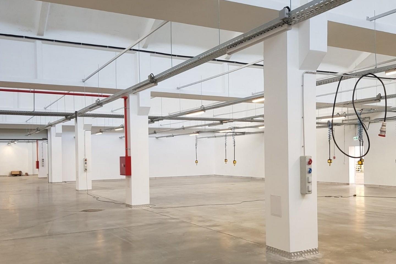 Саниране на част от съществуваща сграда със закрит склад и временни офисни части - Южна промишлена зона, гр. Благоевград