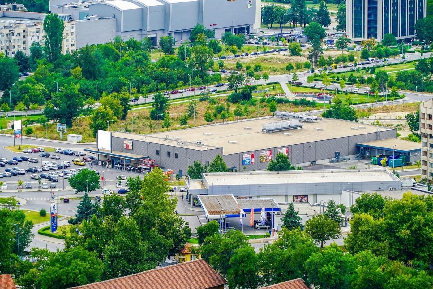 Едроплощен Хипермаркет - гр. Пловдив