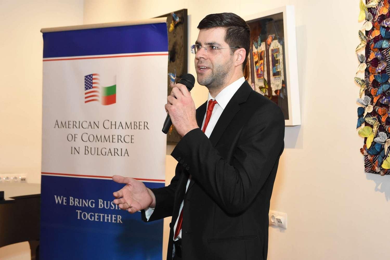 """Атанас Атанасов - Управител на """"Бараж Груп"""" на събитието на AmCham на 12.02.2019г., на което Камарата приветства своите нови членове"""